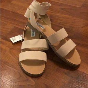 Steve Madden size 8 nude sandals